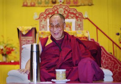 """Sua Santità il Dalai Lama: """"Quando inizierete ad osservare con attenzione la sofferenza degli altri esseri senzienti, allora sarete in grado di sviluppare la grande compassione""""."""