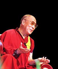 """Sua Santità il Dalai Lama: """"Solo  dissolvendo le apparenze ed i pensieri ingannevoli abbiamo la possibilità di conseguire la  mente di chiara luce""""."""