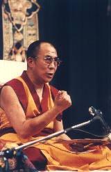 """Sua Santità il Dalai Lama: """"La sofferenza che tutto pervade è sotto il controllo del karma e dei fattori disturbanti la mente""""."""