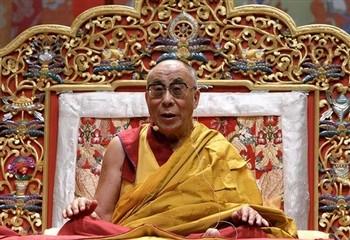 """Sua Santità il Dalai Lama: """"Non credete ai miei insegnamenti soltanto perché vi giungono dalla mia voce, non cadete nell'errore di generare una fede cieca in quel che vi dico. Ma mettete alla prova la bontà di ciò che ascoltate da me, verificatelo!"""""""