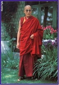 Sua santità il Dalai Lama: Impegnati per portare pace.