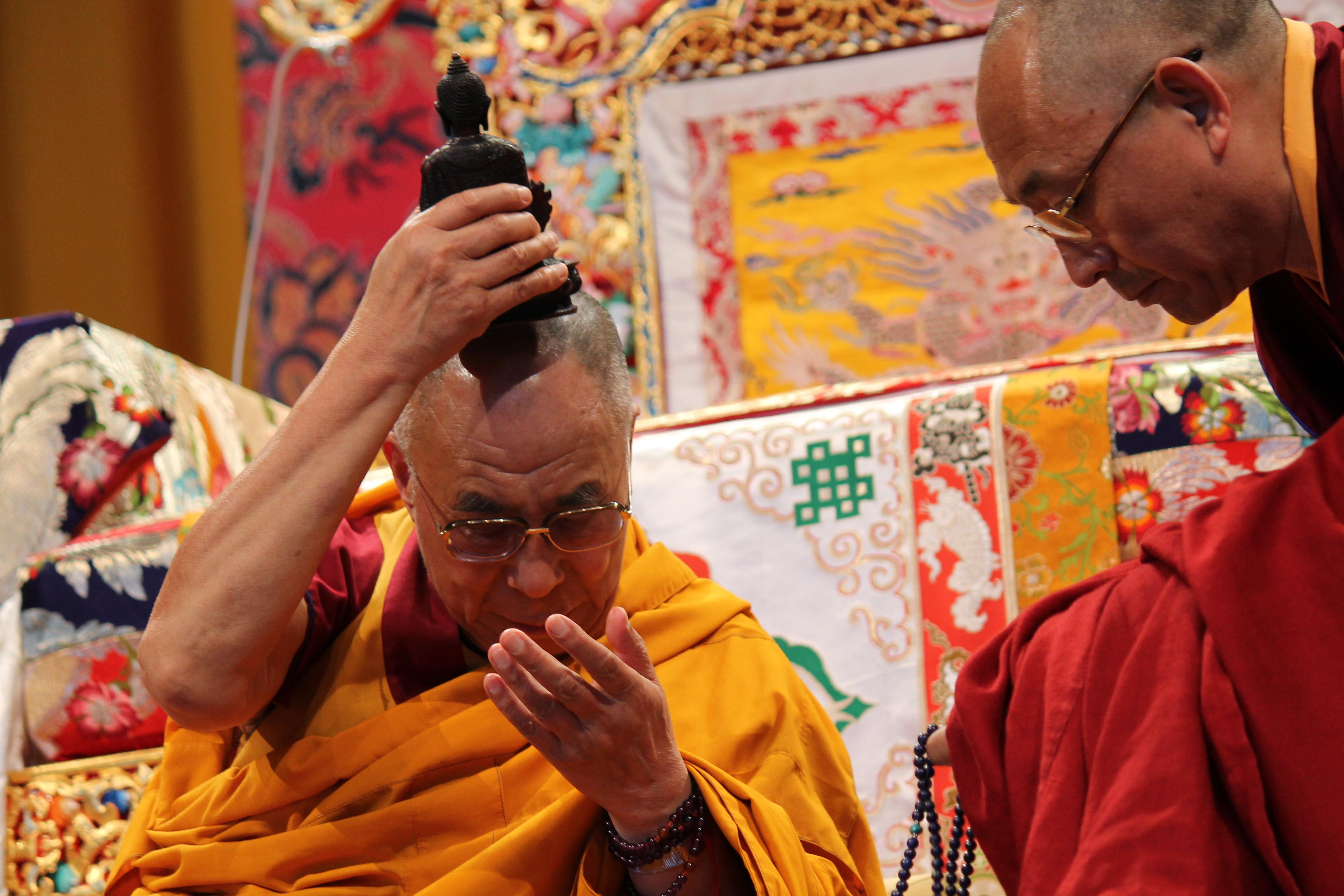 Sua Santità il Dalai Lama: Nella fase post meditativa vedi i fenomeni come illusione perché sono completamente liberi da quella natura intrinseca che prima li permeava, più aumenta la comprensione della vacuità, più aumenta la comprensione della bodicitta.