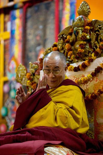 Sua Santità il Dalai Lama: Realizzando la corretta visione possiamo realizzare l'analisi che le cose sono della natura della sofferenza e tutto è privo di un sé.