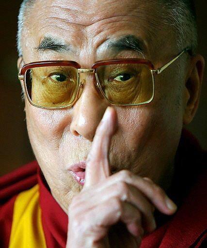 Sua santita' il Dalai Lama: E' molto importante che ognuno mantenga la propria tradizione spirituale.