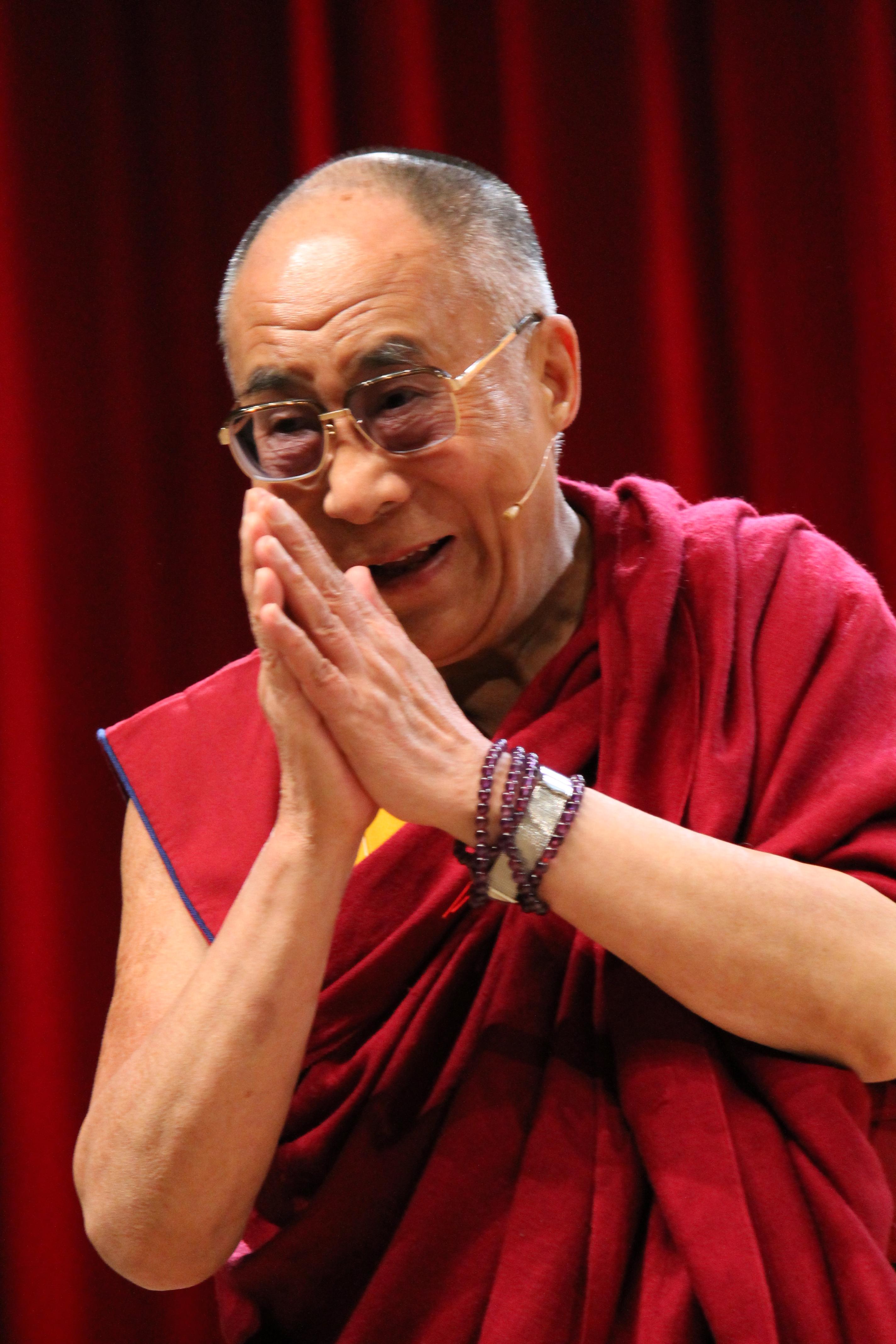 Sua Santità il Dalai Lama: I fattori biologici non derivano dall'amore, ma esprimono amore. Deriviamo dall'affetto di nostra madre.