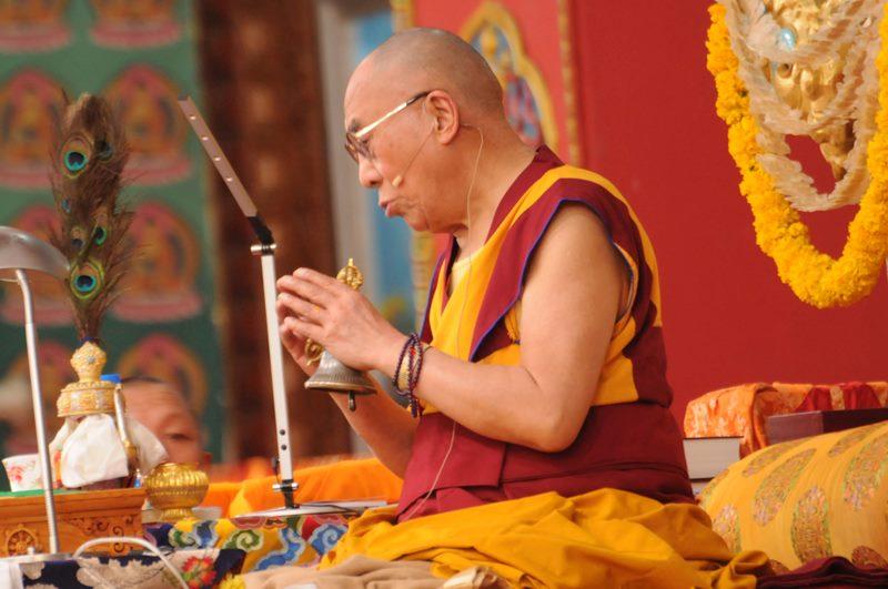 Sua Santità il Dalai Lama: Gli insegnamenti ci ricordano di non lasciarci ingannare da ciò che ci appare, perché i fenomeni non esistono come ci appaiono.