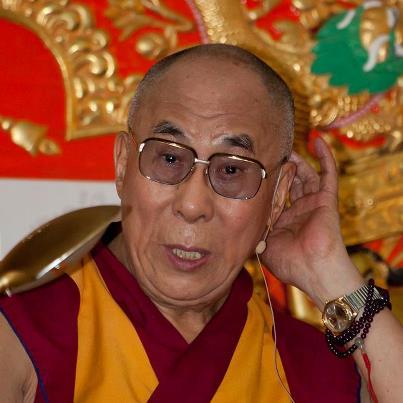 Sua Santità il Dalai Lama: Per quanto riguarda l'afferrarsi alla permanenza, questo ci porta a concepire qualcosa di puro come impuro e questo genera attaccamento. Ci sono molti passaggi nel Lamrim cenmo dove si parla di acquisire meditazione sull'impermanenza il che ci conferisce forte stabilità.