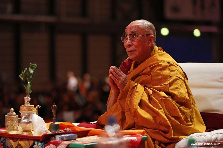 Sua Santità il Dalai Lama: Tutti i fenomeni sorgono da cause simili al risultato.