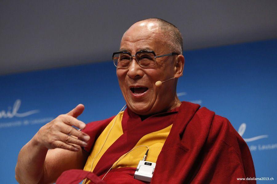 Sua Santità il Dalai Lama: La sofferenza e la felicita' provengono dalle loro cause e condizioni.