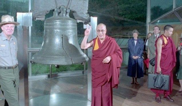 """Sua Santità il Dalai Lama: """"Il buddhismo ha sempre avuto vocazione di universalità""""."""