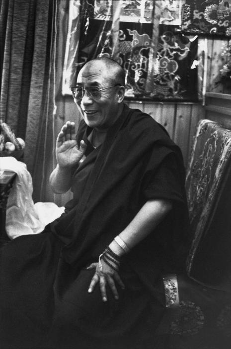 """Sua Santità il Dalai Lama: """"Se, per salvare nove dita, bisogna tagliarne uno, io non esito, lo taglio"""""""""""