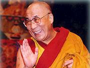 Sua Santità il Dalai Lama: Non dovrebbero più esistere eserciti nazionali. Il mondo dovrebbe essere smilitarizzato, a eccezione di una forza multinazionale.
