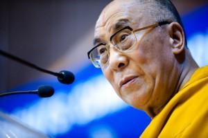 Sua Santità il Dalai Lama: La pratica di unire l'amore, la compassione e la saggezza è molto efficace, in particolare la meditazione sulla vera natura della vostra mente e sul fatto che la potenziale «buddhità» è presente in tutti gli esseri senzienti e la natura della mente è pura e non contaminata dalle illusioni.