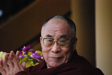 Sua Santità il Dalai Lama: Il rapporto amoroso, può essere autentico e durevole soltanto se la scelta del nostro compagno non è fondata esclusivamente sull'attrazione fisica, ma sulla conoscenza e sul rispetto reciproco.