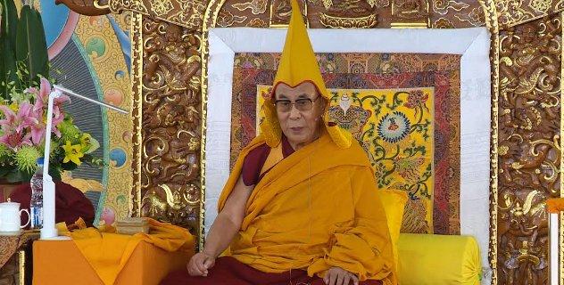 Sua Santità il Dalai Lama: tra tutte le diverse scuole del Buddismo, l'unica che conservi la tradizione dello studio e della pratica del Buddismo di Nalanda è solo il buddismo tibetano.