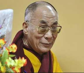 Sua Santità il Dalai Lama: Quando arriviamo alla comprensione che tutti i fenomeni, cose ed eventi sono privi di esistenza intrinseca dobbiamo spostare il focus della nostra analisi sulla mente stessa che sta realizzando la vacuità.