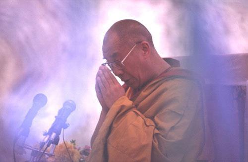 Sua Santità il Dalai Lama:Anche per gli esseri umani non c'è spazio per la felicità quando essi sono in balia di una forte gelosia.