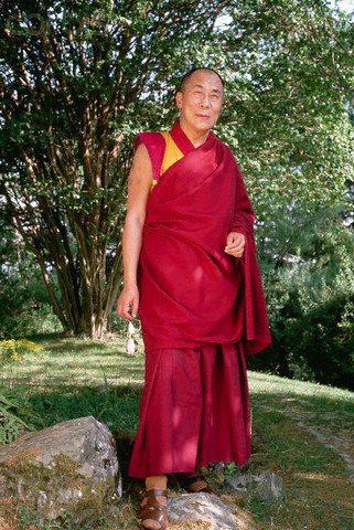 Sua Santità il Dalai Lama: Se si comprende che il sorgere, il perdurare e la cessazione della coscienza non esistono intrinsecamente, gradualmente le afflizioni si esauriranno e non saranno più presenti nel continuum mentale.