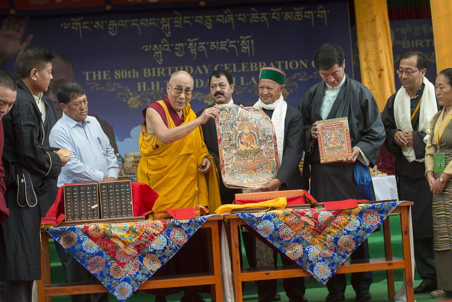 Sua Santità il Dalai Lama: Sono convinto che siamo dotati delle condizioni necessarie per contribuire al bene del mondo.